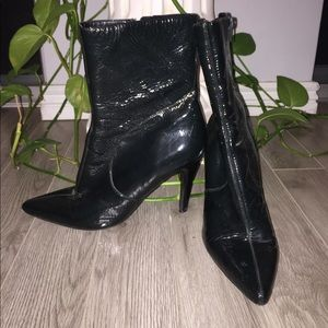Leather Nine West heeled booties